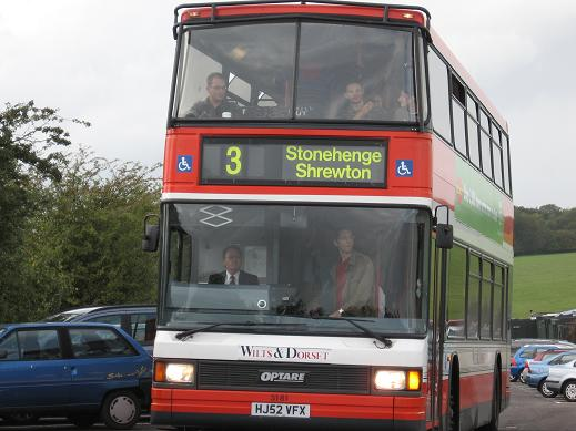 bus-a-stonehenge.jpg