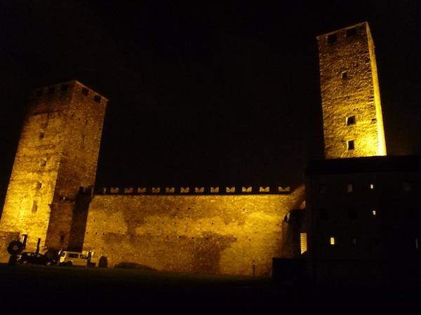 Castelgrande noche1