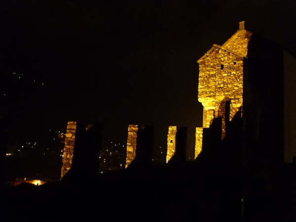 Castelgrande noche2